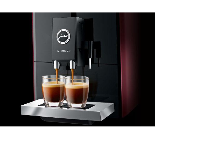 Parzenie kawy w ekspresie automatycznym