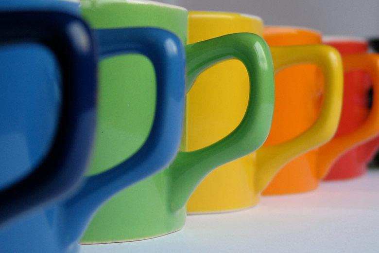 Czy kolor kubka wpływa na smak kawy