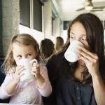 Czy dzieci mogą i powinny pić kawę?